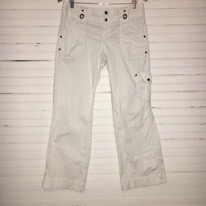 ATHLETA SIZE 8P WHITE PANTS.